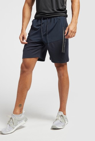 Panelled Knee-Length Shorts with Drawstring Closure and Pockets