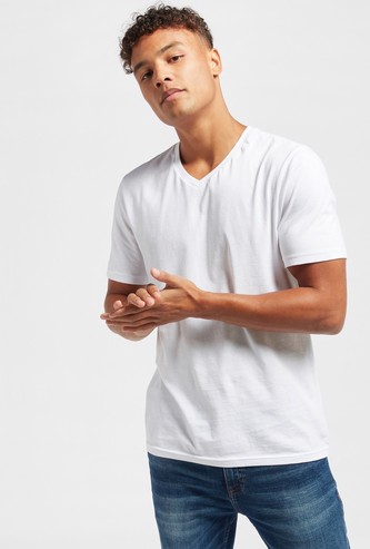 Slim Fit Solid V-neck T-shirt with Short Sleeves