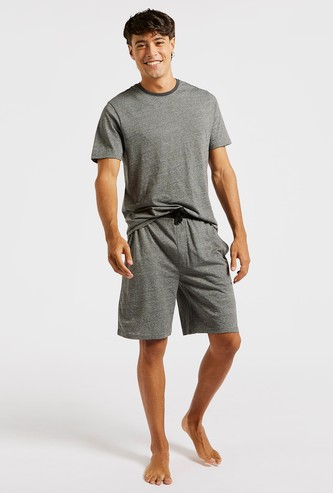 Solid T-shirt with Short Sleeves and Knee-Length Shorts Set