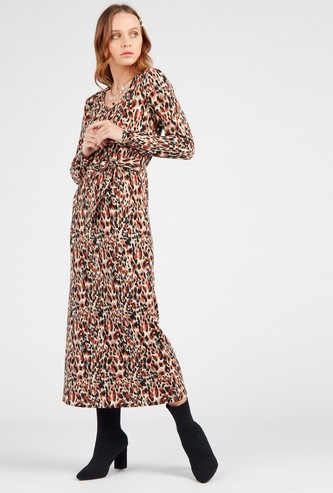 Leopard Print Midi Shift Dress with Long Sleeves and Belt