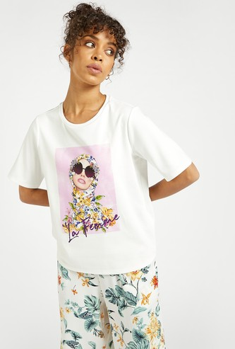 Graphic Print Boxy Top with Short Sleeves and Embellished Detail