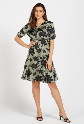 Floral Print Knee Length A-line V-neck Dress with Short Sleeves
