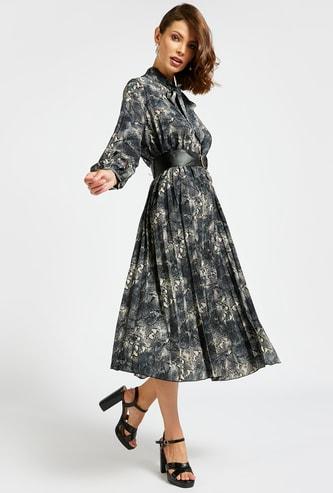 فستان ميدي إيه لاين بطبعات وأكمام بيشوب وياقة فيونكة
