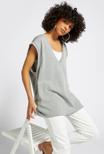 Solid Sleeveless Longline Vest with V-neck