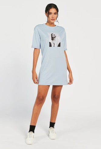 Graphic Print Boxy T-shirt Dress with Round Neck and Short Sleeves