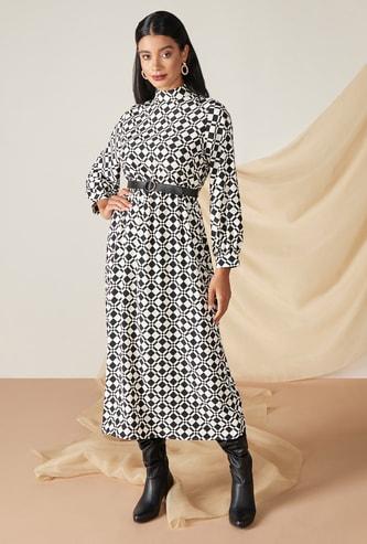 فستان ميدي إيه لاين بطبعات هندسية وأكمام طويلة وياقة عالية