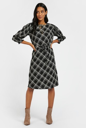 Checked Knee Length Shift Dress with 3/4 Puff Sleeves and Tie-Up Belt