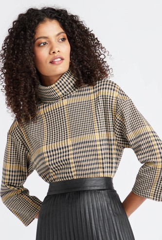 Checked Jacquard Turtle Neck Top with 3/4 Sleeves
