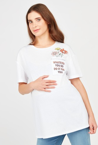 Maternity Typographic Print T-shirt with Round Neck and Short Sleeves