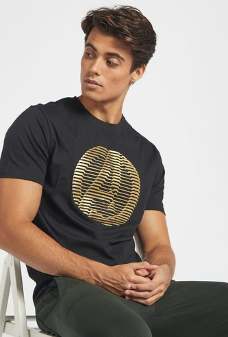 Avengers Foil Print T-shirt with Crew Neck and Short Sleeves