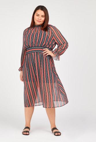 فستان ميدي مخطط إيه لاين بأكمام طويلة ودرزات