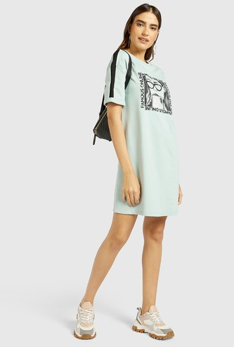 Graphic Print Mini T-shirt Dress with Round Neck and Short Sleeves