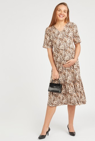 Maternity Printed Midi A-line Dress with V-neck and Short Sleeves