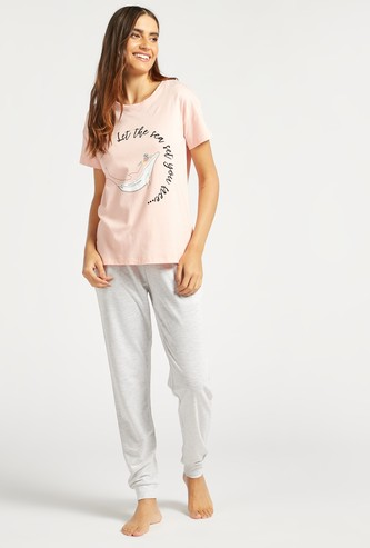 Graphic Print Short Sleeves T-shirt and Solid Pyjama Set