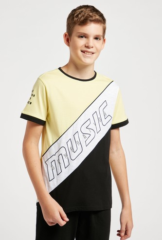 Text Print Cut and Sew T-shirt with Round Neck and Short Sleeves