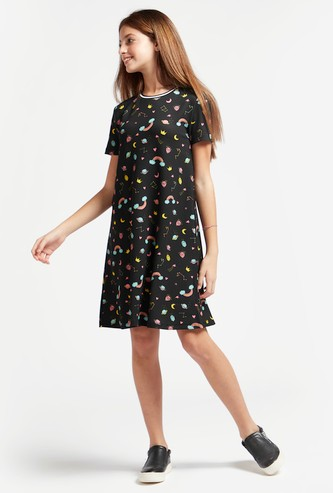 Textured Knee Length Dress with Rainbow Prints and Short Sleeves