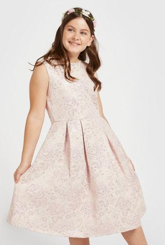 فستان جاكار بارز الملمس دون أكمام بياقة مستديرة