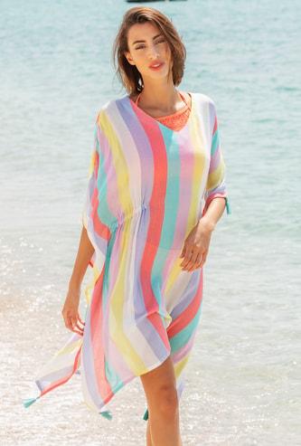 فستان قفطان مخطط مع تفاصيل شرابة