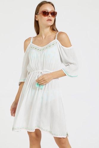فستان تغطية مطرز مكشوف الأكتاف وبأربطة
