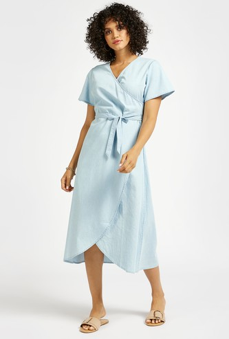 Solid Midi Wrap Dress with V-neck and Short Sleeves