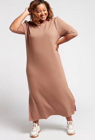 فستان طويل واسع سادة بفتحات جانبية