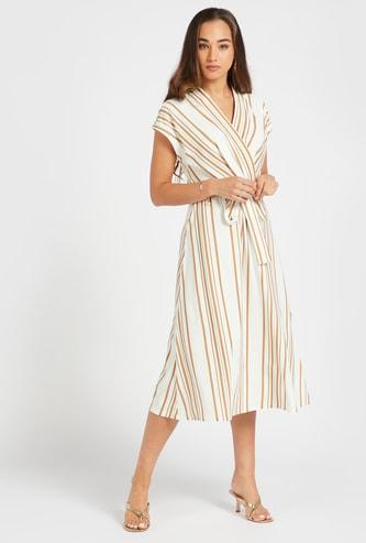 فستان ميدي إيه لاين مخطط ملفوف بياقة V وأربطة