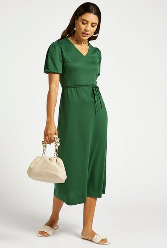Textured A-line Midi Dress with Volume Sleeves and Belt