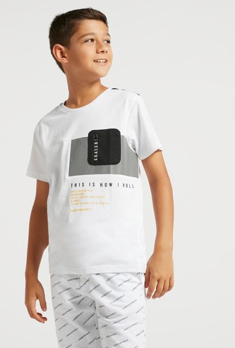 Text Print T-shirt with Short Sleeves and Mesh Pocket Detail