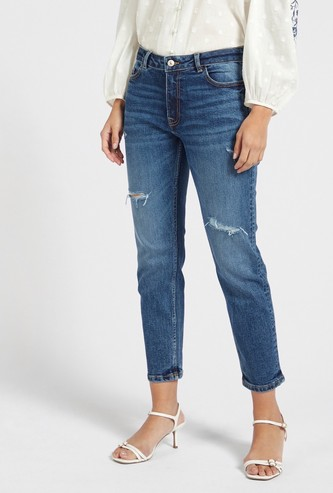 Slim Fit Distressed Mid-Rise Cropped Jeans with Pocket Detail