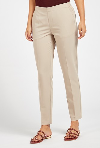 Solid Mid-Rise Trousers with Pocket Detail