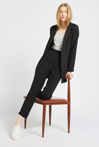 Solid Pin Tuck Ankle Length Trousers with Pocket Detail and Zip Closure