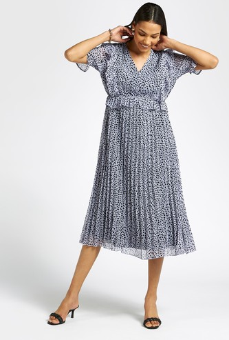 Printed A-line Midi Dress with Pleat Detail and Short Sleeves