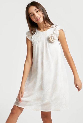 فستان بطول الركبة وطبعات مع أكمام طويلة وزينة زهريّة
