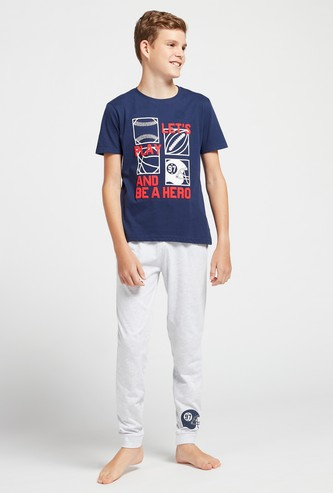 Embossed Print T-shirt with Short Sleeves and Jog Pants Set