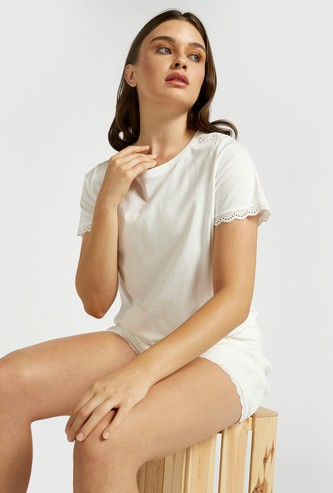 Solid Lace Detail T-shirt and Shorts Set