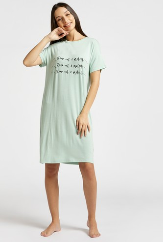 Text Print Sleepshirt with Round Neck and Short Sleeves