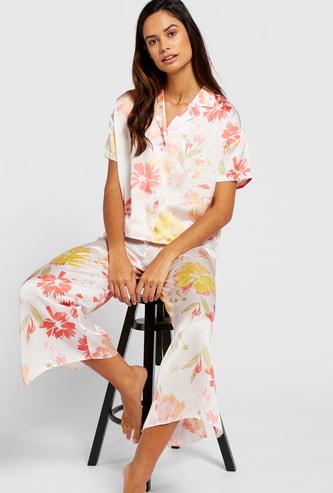 All-Over Floral Print Short Sleeves Sleepshirt and Pyjama Set