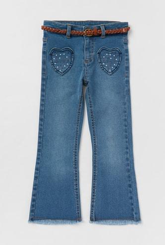 بنطلون جينز مزيّن مع حزام وجيوب