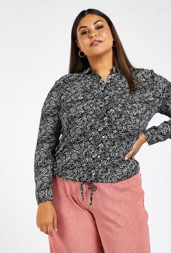 قميص بطبعات بالكامل بأكمام طويلة وحواف برباط