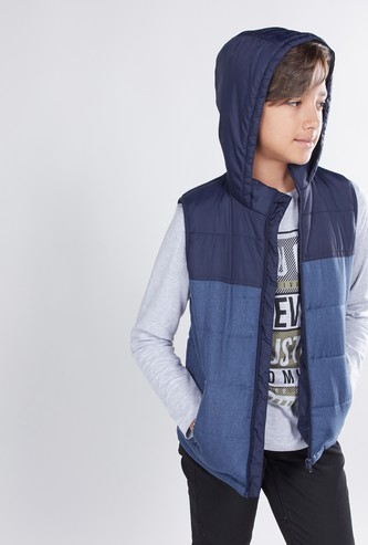 Quilted Sleeveless Jacket with Zip Closure