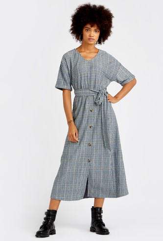 Checked Midi A-line Dress with V-neck and Short Sleeves