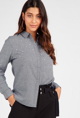 قميص كاروهات بأكمام طويلة وتفاصيل مزيّنة