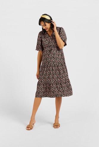 فستان للحوامل ميدي إيه لاين بطبعات أزهار وياقة V وأكمام قصيرة