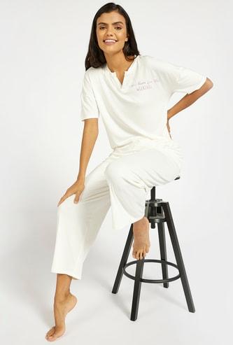 Text Print T-shirt and Solid Pyjama Set