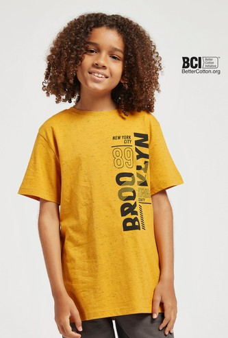 Text Print Round Neck T-shirt with Short Sleeves