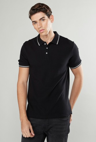 Slim Fit Textured T-shirt with Polo Neck and Short Sleeves
