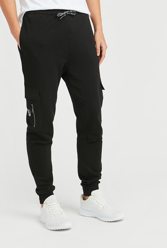 Skinny Fit Solid Mid-Rise Jog Pants with Pocket Detail
