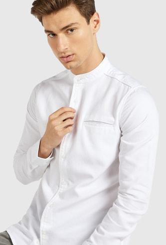 قميص سادة بقصة سليم بياقة ماندارين وأكمام طويلة