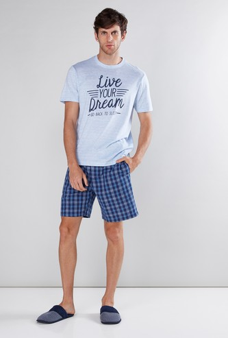 Printed Short Sleeves T-Shirt with Chequered Shorts