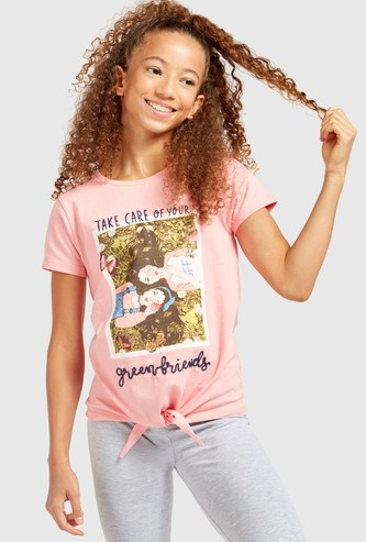 Printed Round Neck T-shirt with Short Sleeves and Knot Detail